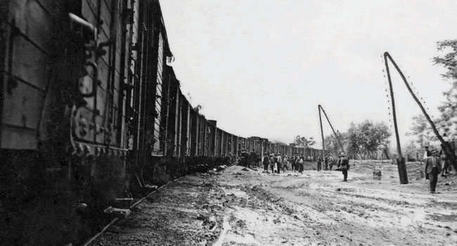 iesirea-trenurilor-din-gara-premiera